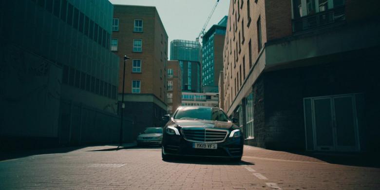 Mercedes-Benz S-Class Car in Alex Rider S01E01 (2)
