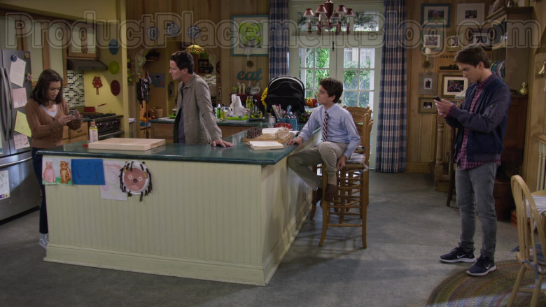 Michael Campion as Jackson Wearing Nike Lunar Skyelux Running Shoes in Fuller House S05E11 TV Series (1)