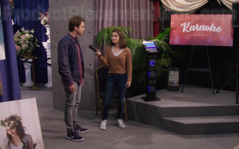 Michael Campion as Jackson Wearing Nike Lunar Skyelux Running Shoes in Fuller House S05E11 TV Series (2)