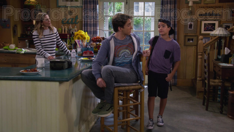 Michael Campion as Jackson Wearing Vans Old Skool Vintage Green Shoes in Fuller House S05E14 TV Show (2)
