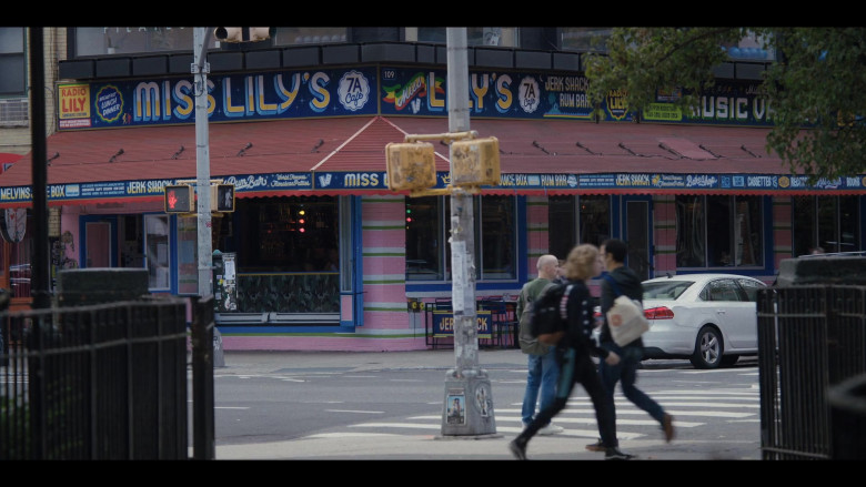 Miss Lily's Restaurant in Love Life S01E04 Magnus Lund (2020)