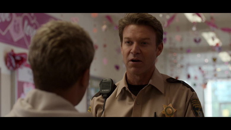 Motorola Radio in 13 Reasons Why S04E03 Valentine's Day (1)
