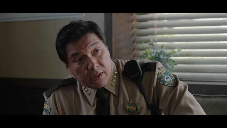 Motorola Radio of Benito Martinez as Sheriff Diaz in 13 Reasons Why S04E07