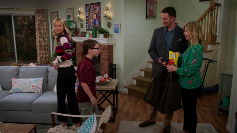 Nestle Toll House Semi-sweet Chocolate Morsels Enjoyed by Jolie Jenkins in Alexa & Katie S04E03 (1)
