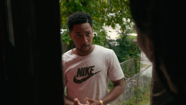 Nike Men's T-Shirt (1)