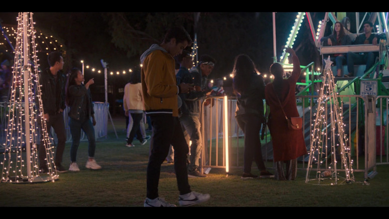 Nike White Shoes Worn by Michael Cimino in Love, Victor S01E01 TV Series (4)