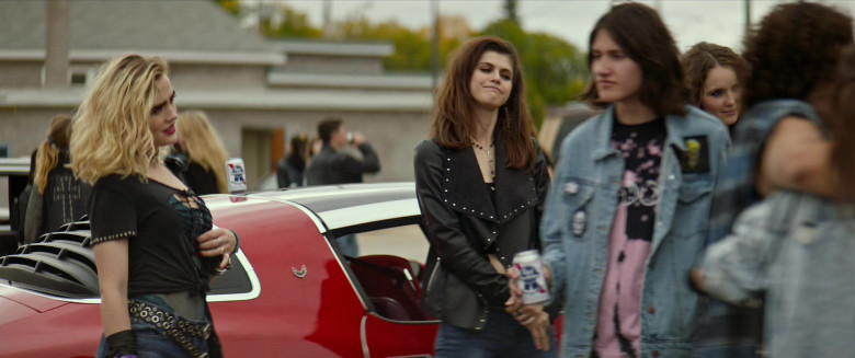 Pabst Blue Ribbon Beer Cans Spotted in We Summon the Darkness Film (1)