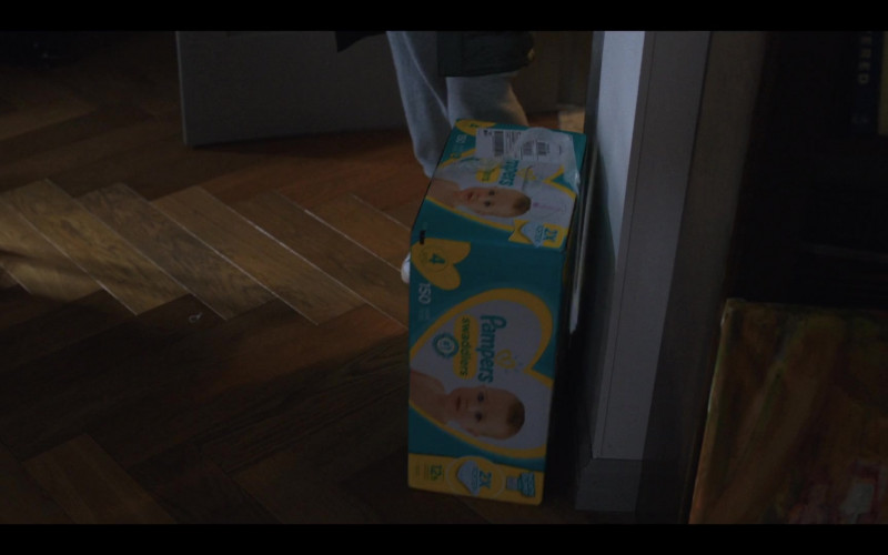 Pampers Diapers in Love Life S01E10 (2)