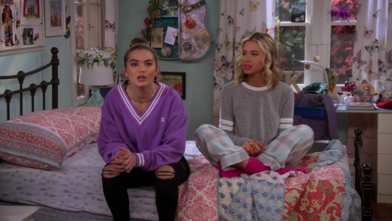Paris Berelc Wears Champion LIFE Women's Yarn Dye Stripe Rib Cropped V-Neck Sweatshirt in Alexa & Katie S04E04 TV Show ( (3)