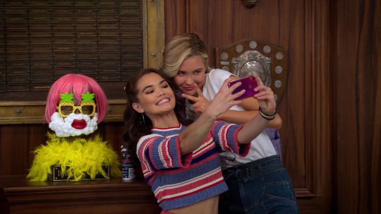 Paris Berelc Wears Crop Top Outfit and Holding Apple iPhone Smartphone in Alexa & Katie S04E01 TV Show