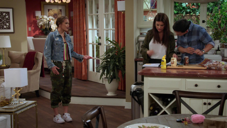 Paris Berelc Wears Denim Jacket, Military Pants Outfit and Puma Shoes in Alexa & Katie