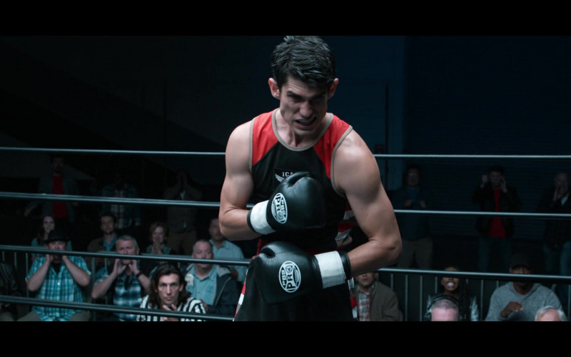 Pro Boxing Supplies Black Gloves Worn by Actor in 13 Reasons Why S04E05 House Party (2020)