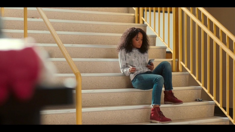 Rachel Naomi Hilson as Mia Wears Printed Sweatshirt, Blue Jeans Outfit, and Timberland Kenniston Boots in Love, Victor (1)
