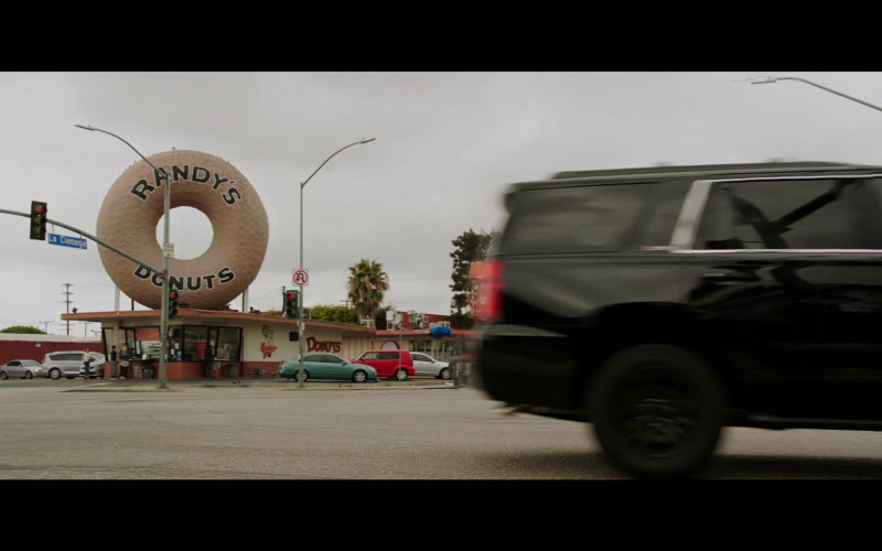 Randy's Donuts Donut Shop Seen in 2 Minutes of Fame (2020) Movie