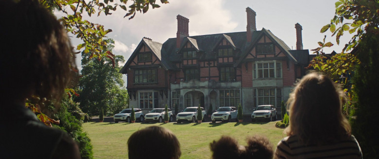 Range Rover Cars in Four Kids and It Movie (1)