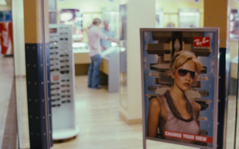 Ray-Ban Eyewear Store in Big Momma's House 2 (2006)