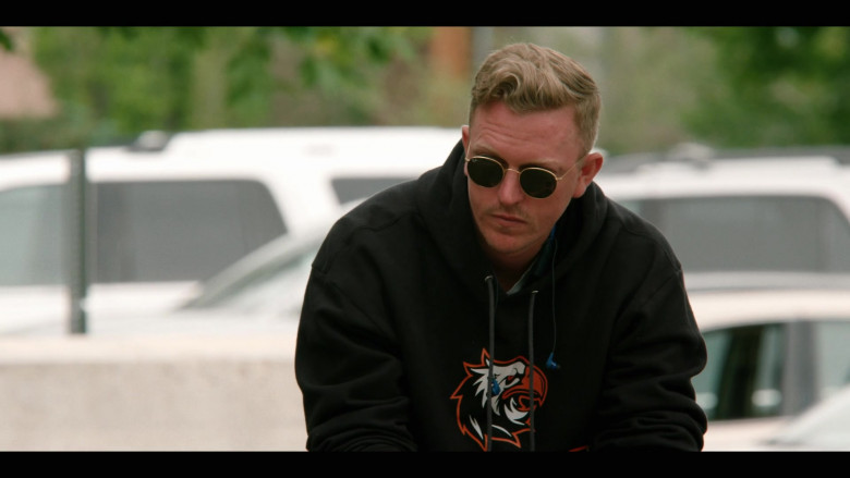 Ray-Ban Round Sunglasses For Men in Yellowstone S03E01