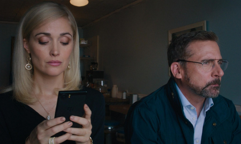 Rose Byrne Using Blackberry Smartphone in Irresistible Film