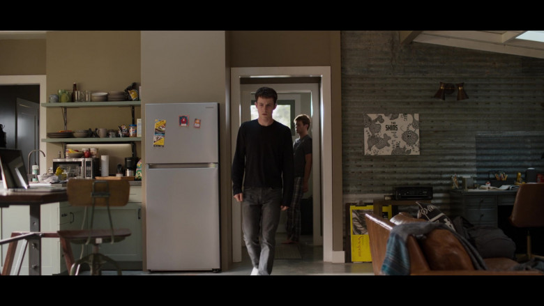 Samsung Refrigerator in 13 Reasons Why S04E02 College Tour (1)