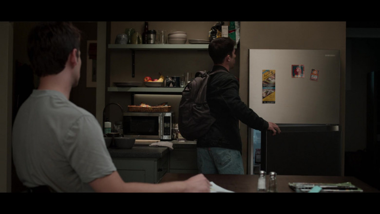 Samsung Refrigerator in 13 Reasons Why S04E02 College Tour (2)