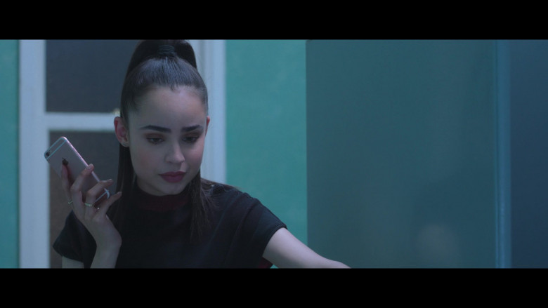 Sofia Carson Using Apple iPhone Smartphone in Feel the Beat 2020 Film (5)