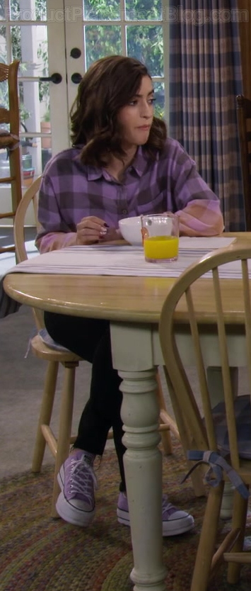 Soni Nicole Bringas as Ramona Wearing Converse Platform Purple Shoes in Fuller House S05E15 TV Series
