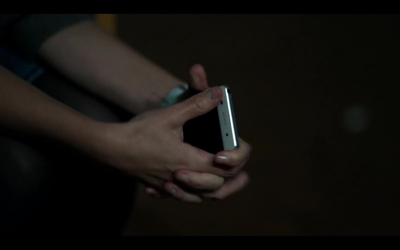 Sony Xperia Smartphone in The Salisbury Poisonings Episode 2 (2020)