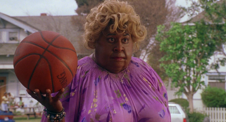 Spalding Basketball Held by Martin Lawrence in Big Momma's House (2000)