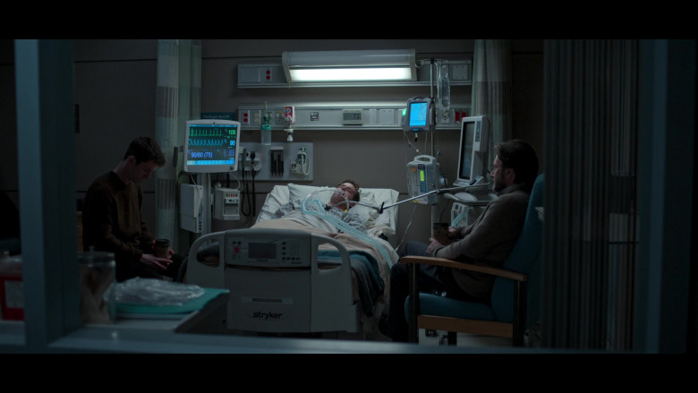 Stryker Medical Bed in 13 Reasons Why S04E10 TV Show by Netflix (2)