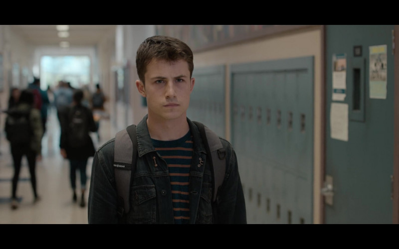 SwissGear Backpack and Denim Jacket Outfit of Dylan Minnette in 13 Reasons Why S04E06 TV Show