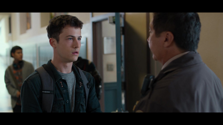 SwissGear Backpack of Dylan Minnette as Clay Jensen in 13 Reasons Why S04E02 College Tour (1)