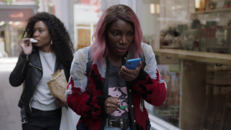 TV Show Actors Using Apple iPhone Smartphones in I May Destroy You S01E02 TV Series (1)