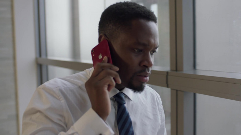TV Show Actors Using Apple iPhone Smartphones in I May Destroy You S01E02 TV Series (2)