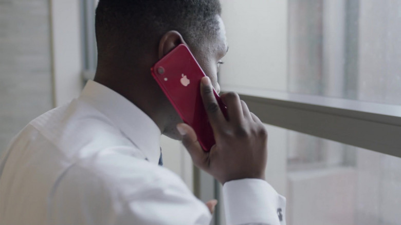 TV Show Actors Using Apple iPhone Smartphones in I May Destroy You S01E02 TV Series (3)