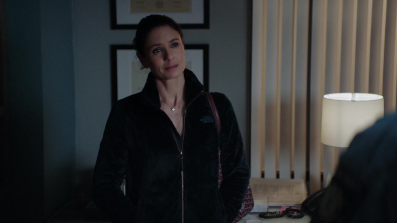 The North Face Women's Furry Full Zip Jacket Worn by Sarah Wayne Callies in Council of Dads S01E07 (1)