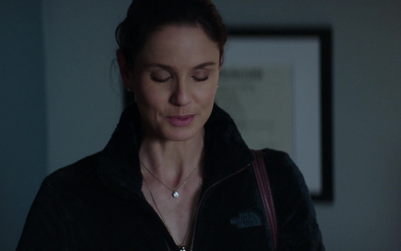 The North Face Women's Furry Full Zip Jacket Worn by Sarah Wayne Callies in Council of Dads S01E07 (2)