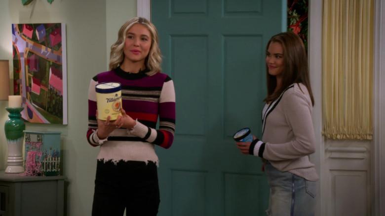 Tillamook Ice Cream Held by Isabel May in Alexa & Katie S04E03 (1)