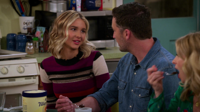 Tillamook Ice Cream Held by Isabel May in Alexa & Katie S04E03 (3)