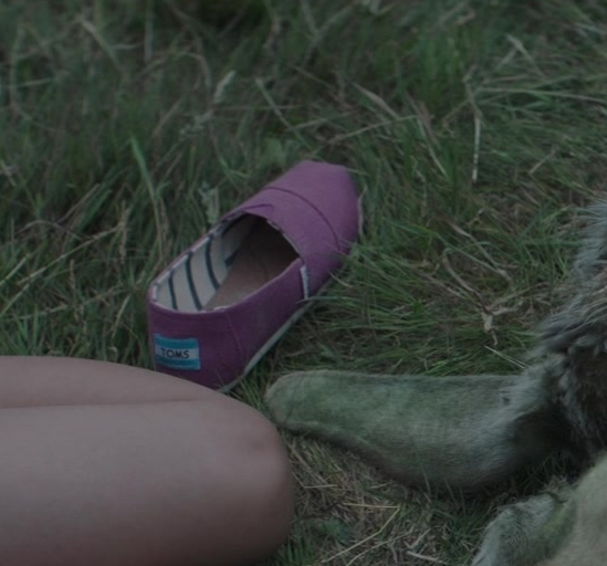 Toms Shoes in Four Kids and It 2020 Movie (2)