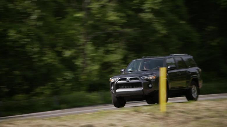 Toyota 4Runner Car (2)