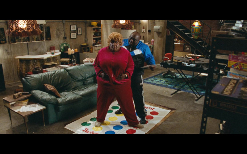 Twister Game by Milton Bradley Company in Big Mommas Like Father, Like Son Movie (3)