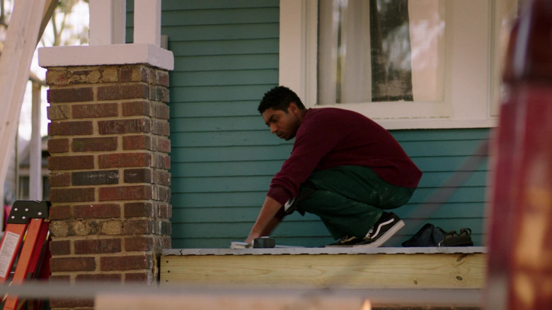 Vans Sneakers in Council of Dads S01E07 The Best-Laid Plans (2)