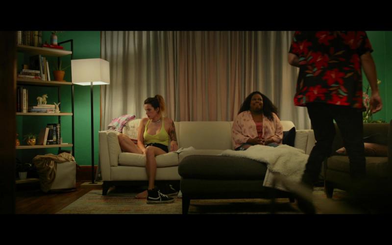 Vans Sneakers of Bella Thorne as Arielle Summers in Infamous (2020)
