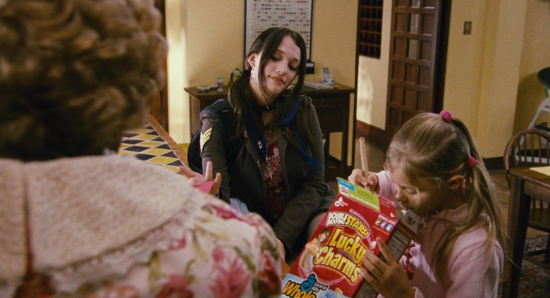 Young Chloë Grace Moretz Enjoying General Mills Lucky Charms Cereal in Big Momma's House 2 Film (5)