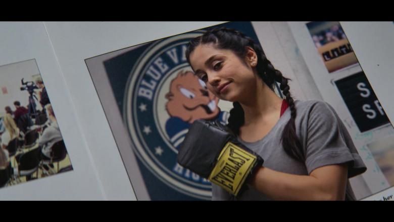 Yvette Monreal as Yolanda Montez Wears Everlast Boxing Gloves in Stargirl S01E04 TV Series (1)