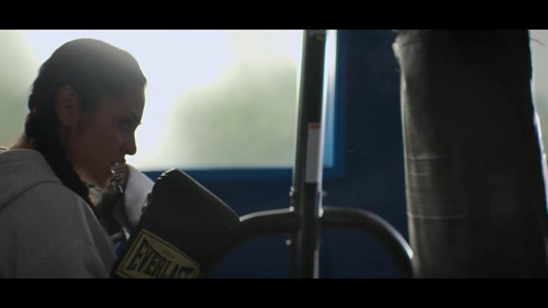 Yvette Monreal as Yolanda Montez Wears Everlast Boxing Gloves in Stargirl S01E04 TV Series (2)