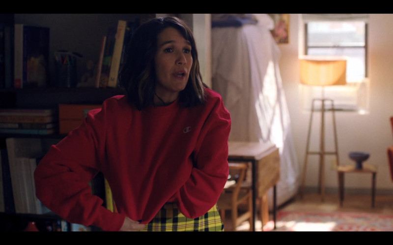 Zoë Chao as Sara Yang Wears Champion Red Cropped Sweatshirt in Love Life S01E0 TV Series (1)