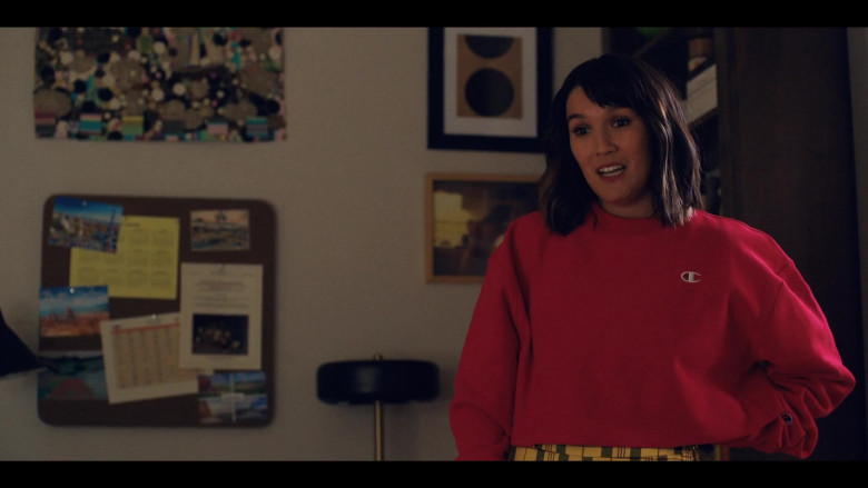 Zoë Chao as Sara Yang Wears Champion Red Cropped Sweatshirt in Love Life S01E0 TV Series (3)