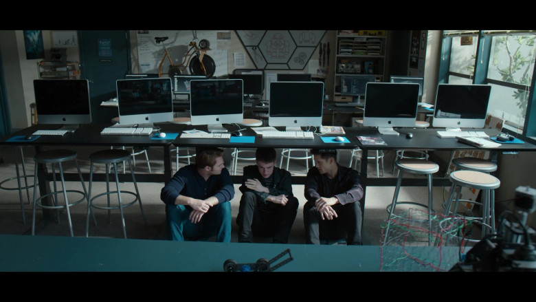 iMac Computers by Apple in 13 Reasons Why S04E06 Netflix TV Show (2)