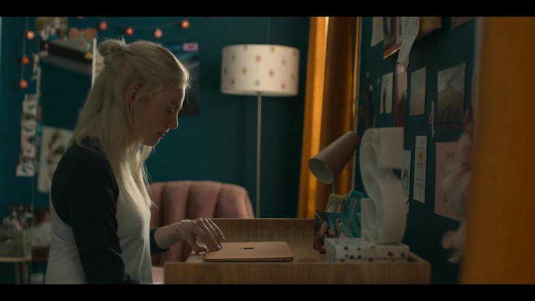 Áine Rose Daly as Sandy Phillips Using Apple MacBook Laptop in Hanna Safe (2020)